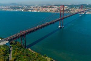 Brücke 25. April